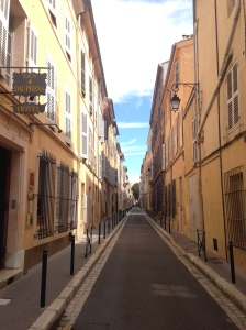 Little alleyway near Cours Mirabeau - one of the main roads